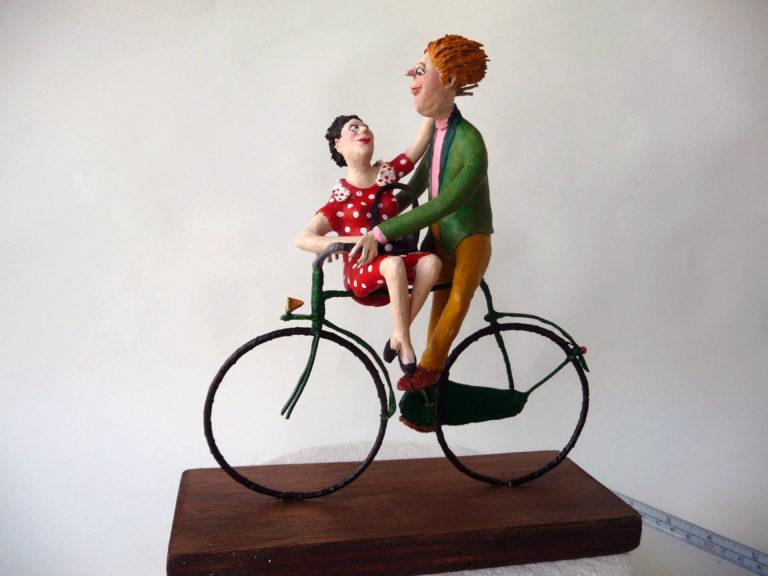 Verliefd stel op de fiets